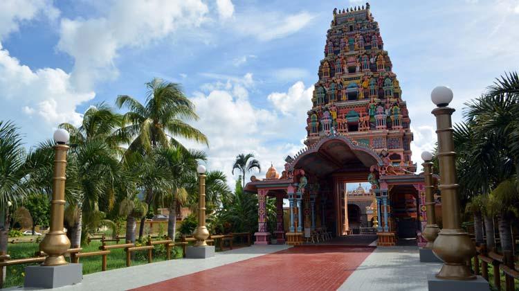 kalaisson-temple-slider-romantic-travel